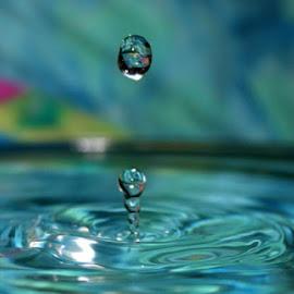 Water Column by Terry Moffatt - Abstract Water Drops & Splashes ( water, water drops, splash, drops, water droplets, water splash )