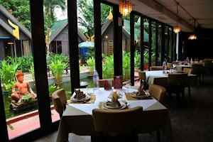 Risultati immagini per restaurant dinner  kuala lumpur