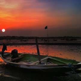 waiting sunset by Ahmadz ' - Instagram & Mobile Other ( landscape*surabaya*boat*suramadu )