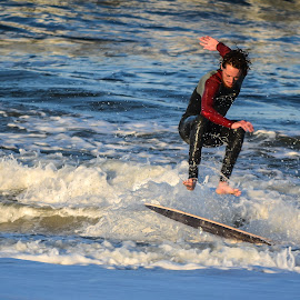 by Jan Herren - Sports & Fitness Surfing