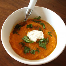 Female Nomad's Curried Carrot Soup