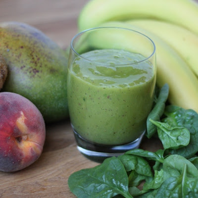 Mango, Kiwi, Peach and Spinach Smoothie