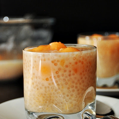 Coconut Milk, Melon with Sago Dessert ((椰汁蜜瓜西米)