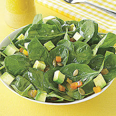 Spinach Salad with Pumpkin Seeds and Avocado