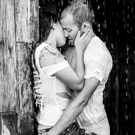 caught in the rain by Jeff Martin - People Couples ( kiss, sexy, steamy, grope, hot, wet, skin, rain,  )