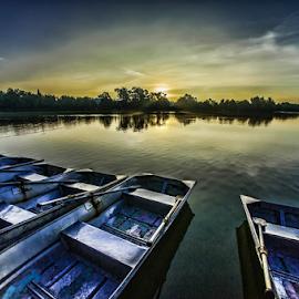 Sunrise by Cristobal Garciaferro Rubio - Landscapes Sunsets & Sunrises ( water, rise, su, sunrise, boat )
