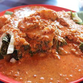 Malaysian Salad Pecal by Dura Zaman - Food & Drink Plated Food ( malaysian, local food, nut gravy, pecal, malaysian salad )