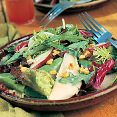 Field Salad with Pears and Blue Cheese