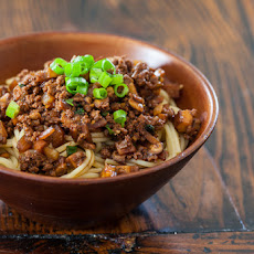 Taiwanese Noodles with Meat Sauce Recipe (Taiwanese Spaghetti)