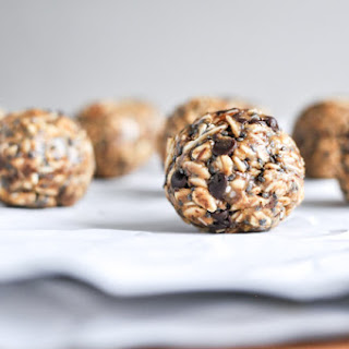 Quick + Easy No Bake Oatmeal Peanut Butter Bites