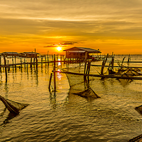 by Ronnel Masangkay - Landscapes Sunsets & Sunrises ( landscape, beach )