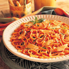 Chicken & Linguine In Creamy Tomato Sauce