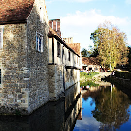 Ightham Mote by Vince Apps - Buildings & Architecture Public & Historical ( ightham mote )