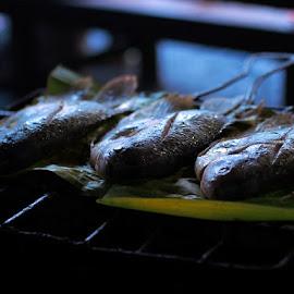 Ikan Bakar - Cibungur by Thomas Wiwiek Widyarsono - Food & Drink Cooking & Baking ( fish, barbeque,  )