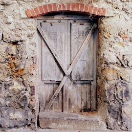 Old Door by Antonello Madau - Instagram & Mobile iPhone