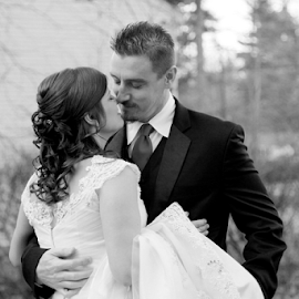 by Samantha's Photography-Studio - Wedding Bride & Groom