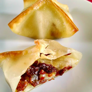 @MapleLeafFarms Duck Bacon, Pear, and Brie Baked Wontons