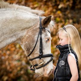 Portrait by Erik Kunddahl - Animals Horses ( child, girl, riding, equstrian, horse, nikon )