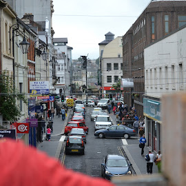 Crowds of cars by Caleb Wagner - City,  Street & Park  Street Scenes ( urban, ireland, cars, crowds, derry )