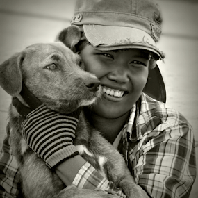 I Love My Dog. by Ian Gledhill - Black & White Portraits & People ( black and white, street, thailand, asia, worker, dog, people, construction, portrait,  )