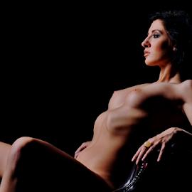 Exposed by Vineet Johri - Nudes & Boudoir Artistic Nude ( vkumar, art nude, art nude lighitng workshops london, curves, shadows, soft lighitng, chiara )