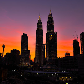 KLCC by Wong Wei - Buildings & Architecture Public & Historical ( building, blue, sunset, nights, light )