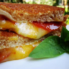 Easy Pepperoni Grill Cheese Sandwiches