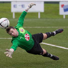 Well saved by Carson Ralton - Sports & Fitness Soccer/Association football ( scottish youth cup, spartans u20, partick thistle, ainslie park stadium )