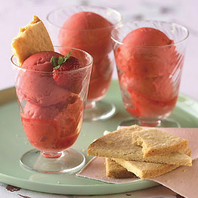 Fresh Strawberry Sorbet with Shortbread Cookies