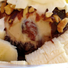 Frozen Yogurt Sundae with Bananas and Chocolate Sauce