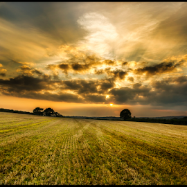 Autumn sunset by Stephen Tolley - Landscapes Prairies, Meadows & Fields ( clouds, uk, sky, autumn, sunset, cornwall, fields, colours )