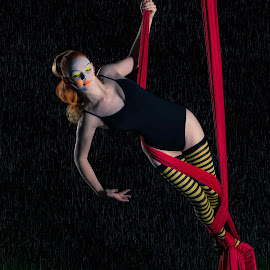 Cosmic Liz by Jeff Dugan - People Musicians & Entertainers ( silks, aerial, gymnastics, entertainer, circus )