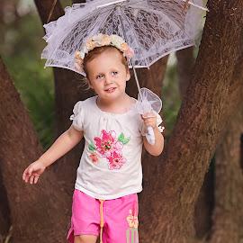 Hello by Helena Lindgren - Babies & Children Children Candids ( girl play umbrella amy happy )