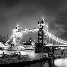 The Gate by Cosmin Stahie - Buildings & Architecture Bridges & Suspended Structures ( tower, london, black and white, tower bridge, night, bridge, lifting )