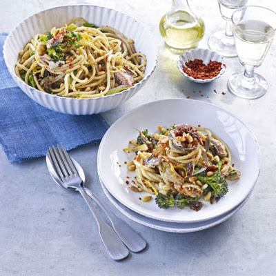 Pasta With Pine Nuts, Broccoli, Sardines & Fennel