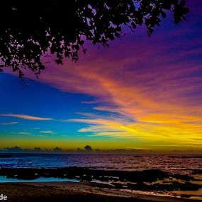 Amanhecer em Guarapari by Francisco Andrade - Landscapes Beaches ( praia, amanhecer, sol, lindo, cores )