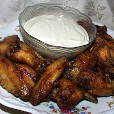 Hot Buffalo Wings With Roquefort Dip