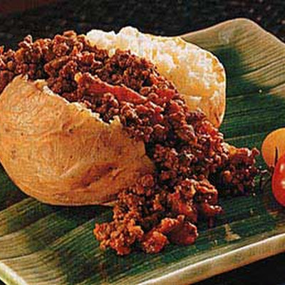 Baked Potatoes with Spiced Beef Chili