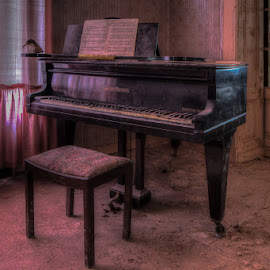 No more songs by Eric Baak - Artistic Objects Musical Instruments ( old, urbex, piano, abandoned )
