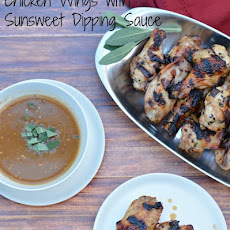 Chicken Wings with Tangy Dipping Sauce
