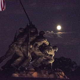 Soldiers and the Supermoon by Ed Shanahan - Buildings & Architecture Statues & Monuments ( monuments, washington, iwo jima memorial, heroism, marines, supermoon )