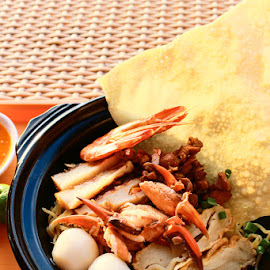 Crab Noodle by Kunardi Kurniawan - Food & Drink Plated Food ( crab noodle, indonesia, noodle, lunch, chinese )