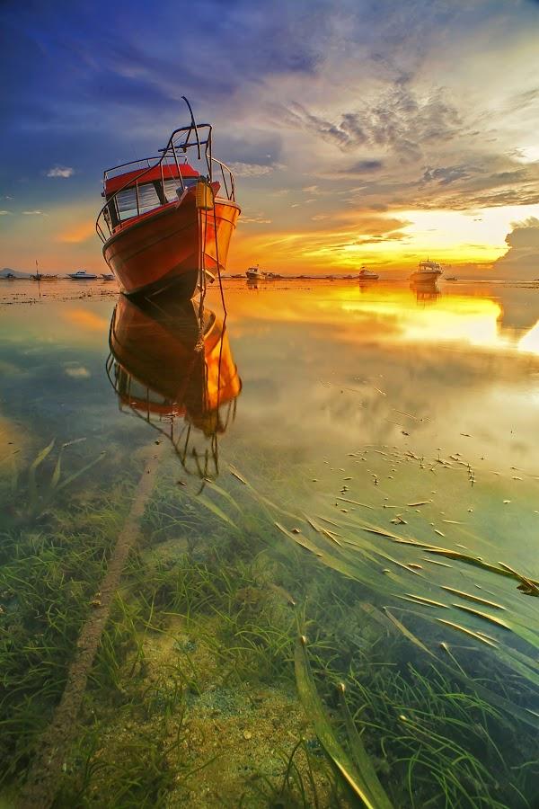 Morning Docked by Bayu Adnyana - Transportation Boats ( bali, semawang, transportations, sanur, sunrise, boat, morning,  )