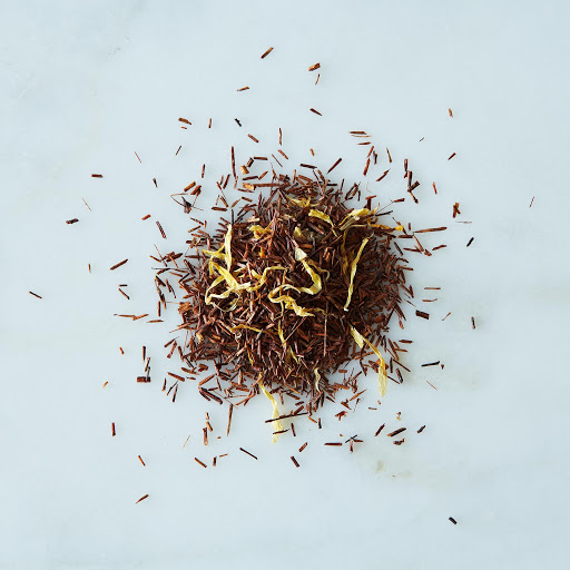 The des Vahines Rooibos in signature metal canister