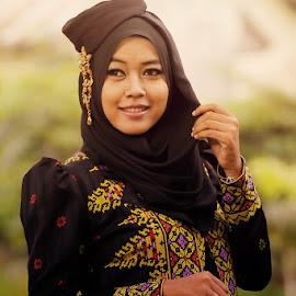 by Irhas Ihsan - People Portraits of Women