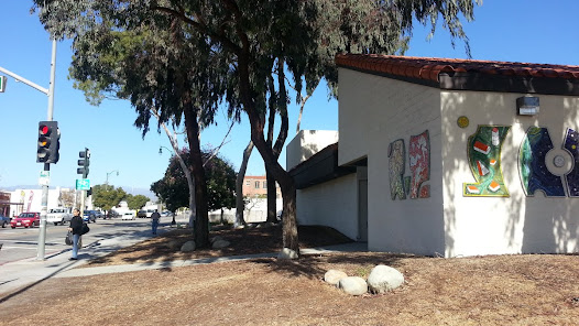 The location of this mosaic mural was intentionally chosen for its public visibility to the adjacent city sidewalk.  It is mounted on two exterior walls of the Ventura Avenue Adult Center in Ventura, California.