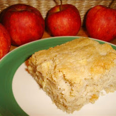 Mom's Fresh Apple Cake
