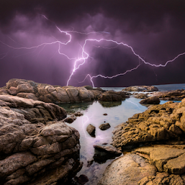 Thunder and rocks by Craig Eccles - News & Events Weather & Storms