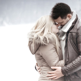 by Róbert Sulyok - People Couples ( love, snow, blond, white, couple, brown, light )