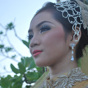 Thought by Shafiq Azli - Wedding Bride ( melawi, love, model, weeding, beach )